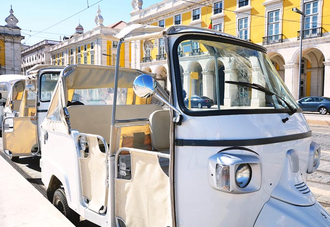 lissabon-met-kinderen-tuktuk