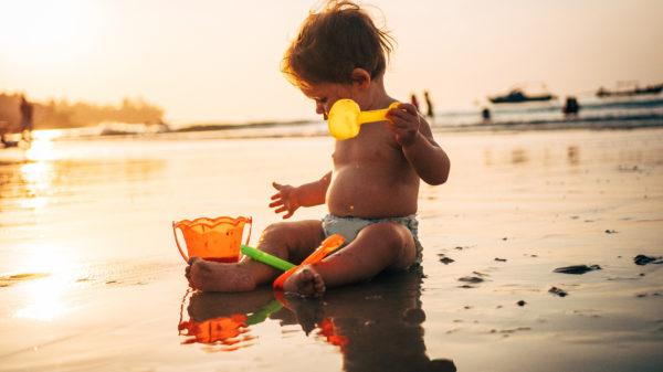 Reizen met een baby van 6 maanden vs. een baby van 11 maanden: dit zijn de 10 grote verschillen!