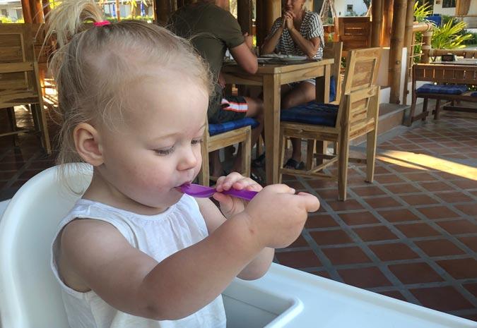 kindvriendelijk-hotel-thailand-koh-lanta-casa-blanca-kindvriendelijk-restaurant