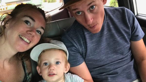 Ga je een verre reis maken met je kleintje? Check dan deze do's en don'ts van blogger Nikie!