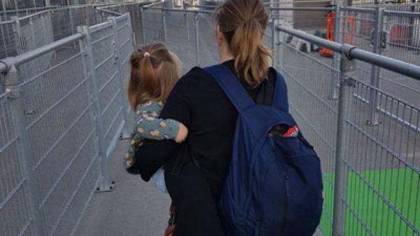 7 x handig om te weten als je vliegt vanaf Eindhoven Airport met een peuter