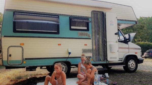 Geluk bij een ongeluk: hoe de ANWB onze campervakantie met kinderen redde…