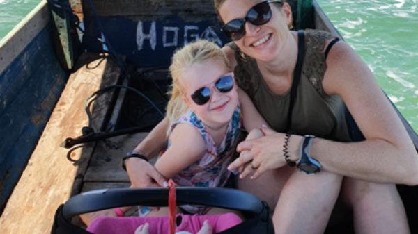 Michelle reisde met 2 kinderen naar Hoga Island, een plek aan het einde van de wereld!