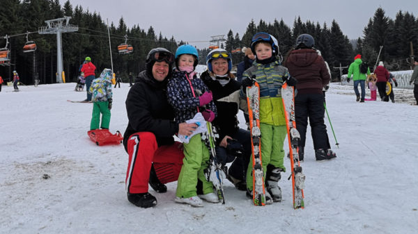 Wat kost dat nou? Skiën met kinderen in Tsjechië? Lara zocht het voor je uit!