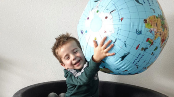 10 x handige kindercadeautjes voor op reis!